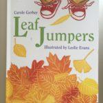 Детская книжка на английском языке про осенние листья «Leaf Jumpers»